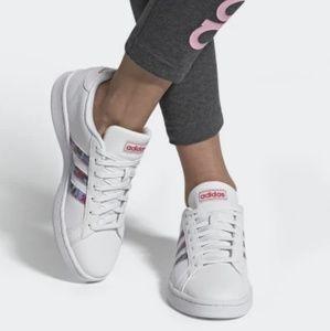 NEW adidas Court